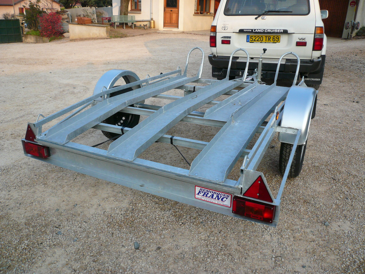 Porte moto 3 rails xl ptc 750 kg chez remorques franc - Remorque porte moto grosse cylindree ...