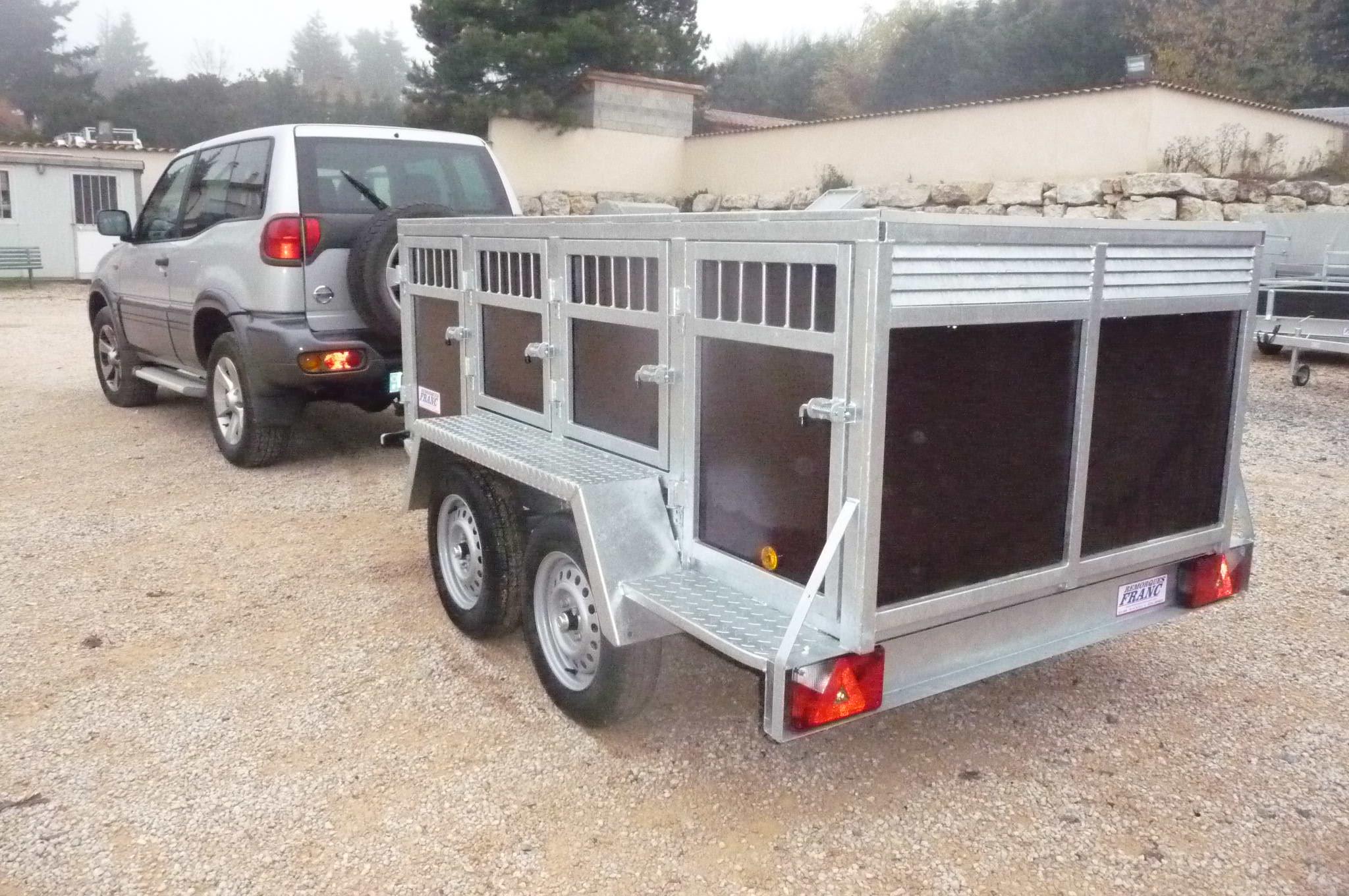 remorque 8 chiens chez remorques franc lyon limonest. Black Bedroom Furniture Sets. Home Design Ideas